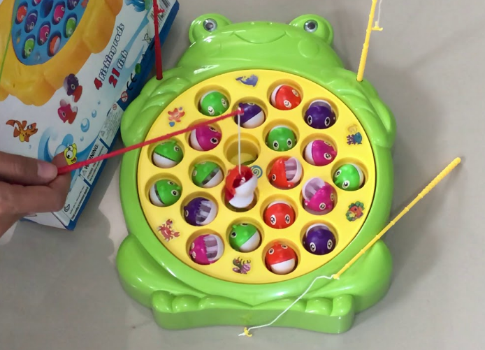 ของเล่น ที่เป็นอันตรายต่อเด็กวัย 3_4 ขวบ_เกมตกปลา